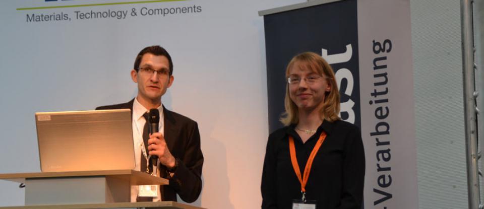 Christian Lauter und Julia Weiß von der Universität Paderborn. Foto: Ella Lochbaum